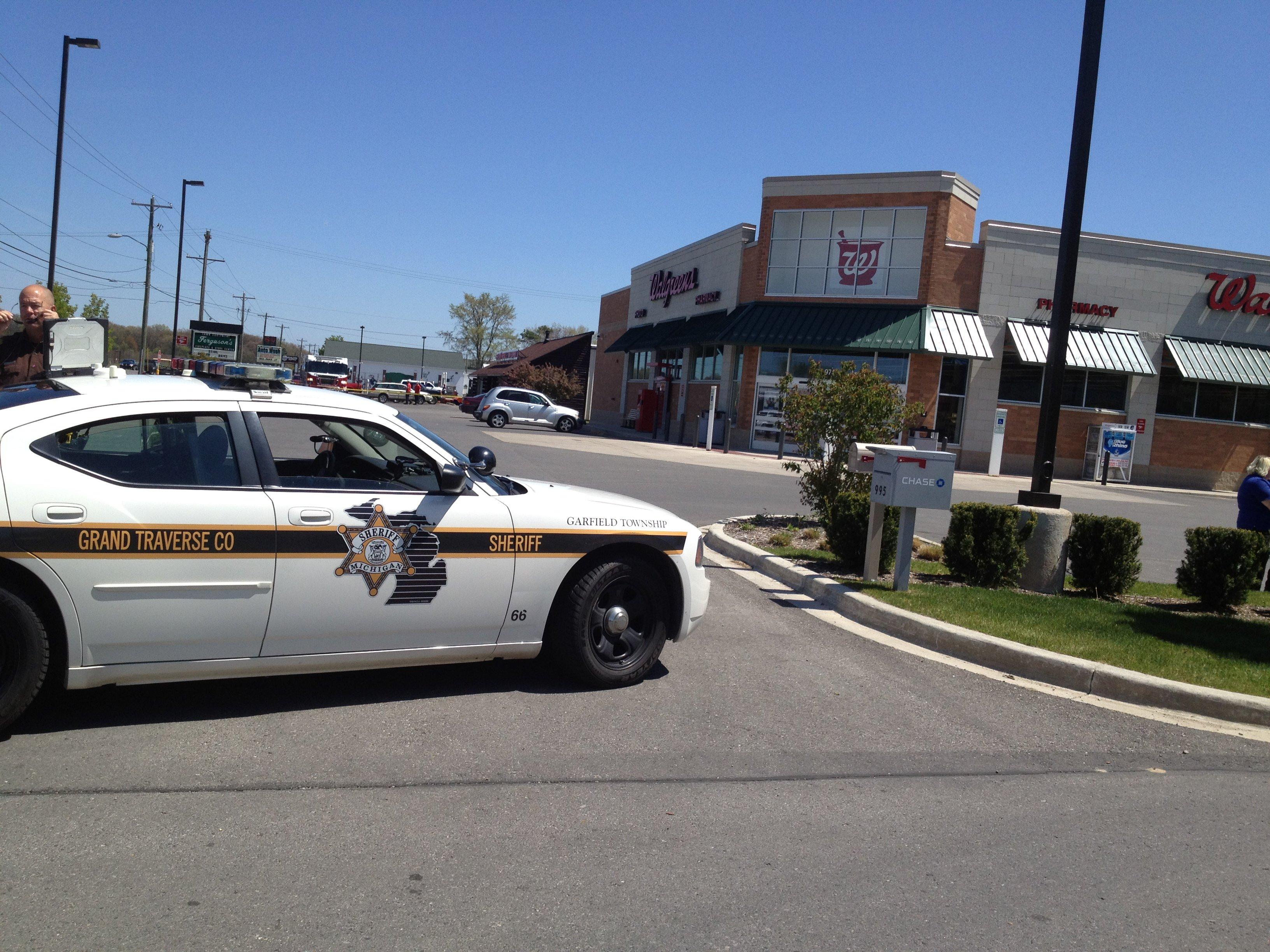 fox 32 developing news police search for walgreens